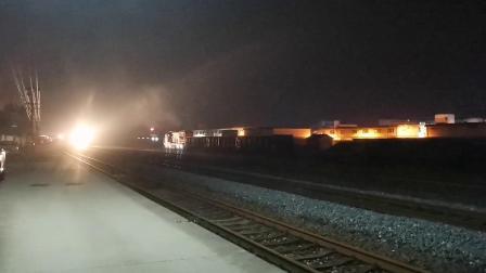 【火车视频集锦】雨夜,开学前最后的拍车