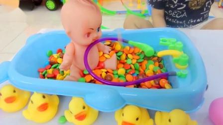玩具婴儿的彩虹糖果浴,这是宝宝最喜欢的,儿童玩具乐园