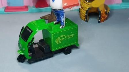 兔小姐开着救护车,警察叔叔开着警车,大鲨鱼把消防车还给狗狗
