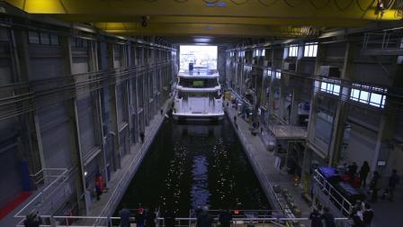 一艘庞大的超级游艇是如何从无到有的?2.5分钟延时摄影带你看完建造全过程!