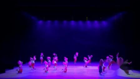 2021最新幼儿园六一儿童节舞蹈《从这里走来的山妞妞》