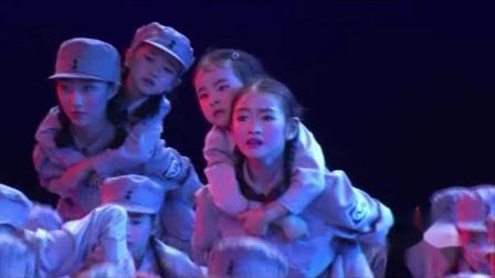 2021最新幼儿园六一舞蹈《马背摇篮》