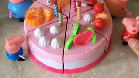 猪妈妈准备了蛋糕,给小猪乔治庆祝生日,佩奇也想要大蛋糕