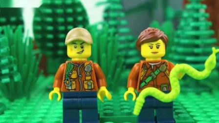 三个小朋友在森林拍照游玩,大野兽出动,小朋友骑着鳄鱼逃跑