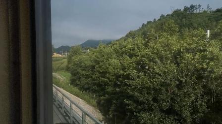 20200727 075814 阳安线客车8361次列车通过曾经的青羊驿站