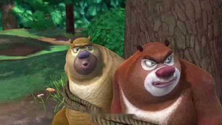熊大熊二被机器人绑住,光头强救了它们,强哥还一副傲娇样子!