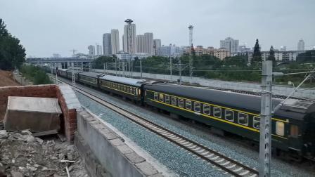 20200729 195209 阳安线客车K257次列车出汉中站