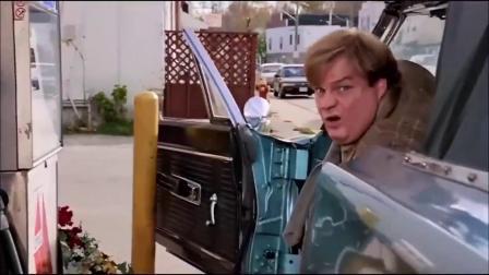 小胖子给车加油,这段笑死我了