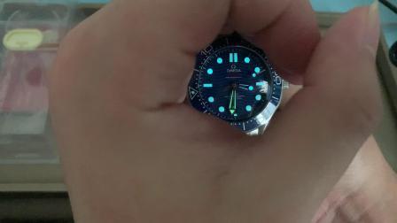 欧米茄海马300米蓝面测评