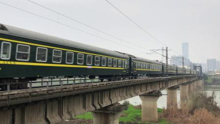K1160次 HXD1D0523 通过京广线K1562KM长沙浏阳河铁路大桥