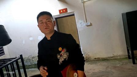 韦张弟子王正赦考察徐特立故居