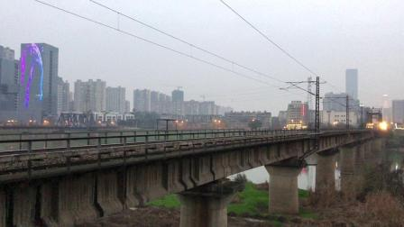 Z208次 DF11G0051-0052 通过京广线K1562KM长沙浏阳河铁路大桥