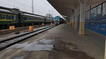 20201001 132046 陇海铁路客车T4244次列车进西安站,双层车