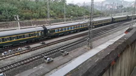 20201002 075353 西康铁路客车K291次列车进安康站