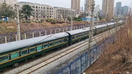 【火车视频集锦】清明首日,危机下的拍车