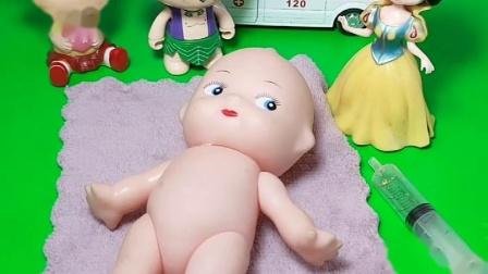 小宝宝要打针了,小宝宝真开心。等下打针的时候肯定会哭