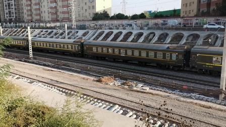 20201017 163431 陇海铁路客车K558次列车进西安站