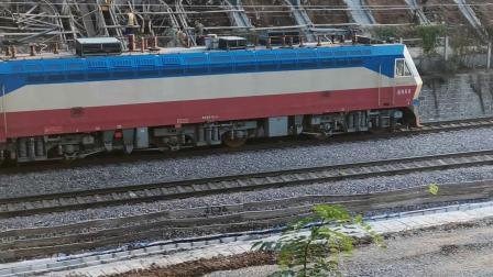 20201017 171047 陇海铁路客车K59次列车进西安站