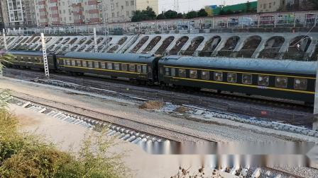 20201017 171221 陇海铁路客车K468次列车出西安站