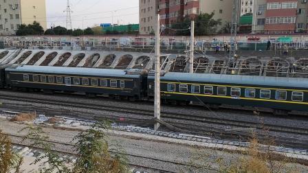 20201017 172947 陇海铁路HXD3D牵引客车进西安站