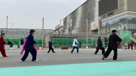 周振师父(80岁)教杨式51太极剑2021年4月13日