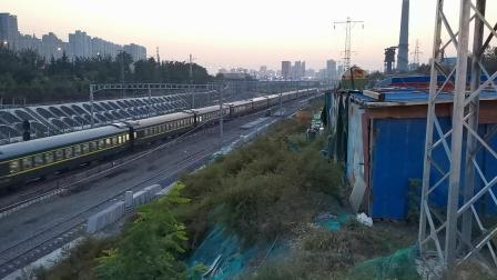 20201017 182054 陇海铁路客车1148次列车出西安站