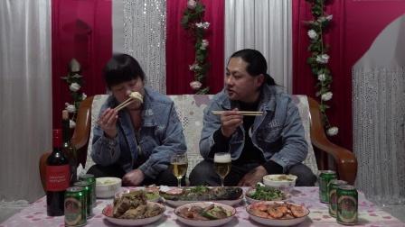 除夕夜年夜饭/朱坤声称一年到头这一餐最丰富的