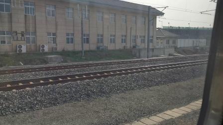 20201024 150621 西宝高铁D2667次列车出西安北站