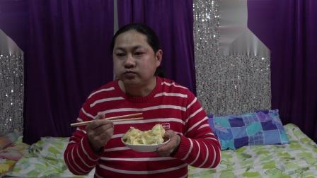 朱坤晚上吃饺子