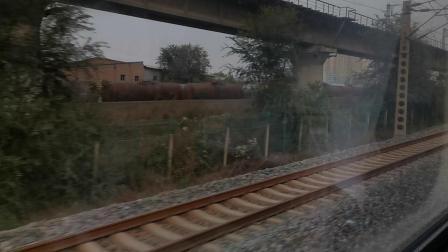 20201024 172424 陇海铁路K5446次列车通过三桥站