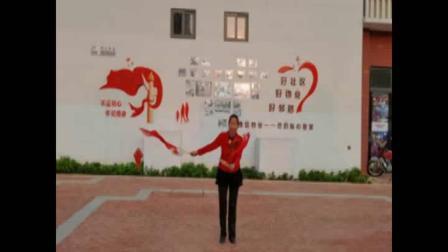 柔力球:芳芳学练翠芳老师创编双拍双球《歌唱祖国》