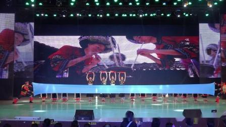 舞蹈《新龙船调》表演:东方丽人艺术团