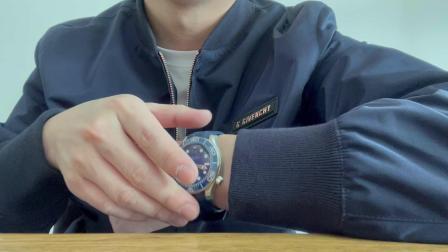 【腕表小评测】欧米茄海马300系列胶带款