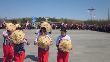 北镇市秧歌舞蹈协会梨花节汇演《金舞飞扬舞蹈队》制作-东明2021.4.25