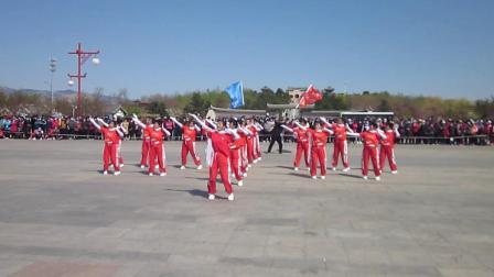 北镇市秧歌舞蹈协会梨花节汇演《西沙河子村舞蹈队》制作-东明2021.4.25