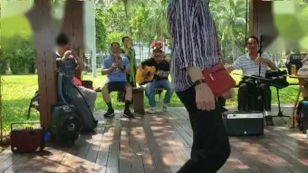女声重唱(洪湖水浪打浪)伴奏二胡丁连城 吉他粱 笛子沈 葫芦丝夏 大提琴薛