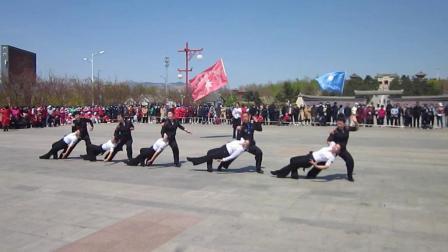 北镇市秧歌舞蹈协会梨花节汇演《高山子舞蹈队》制作-东明2021.4.25