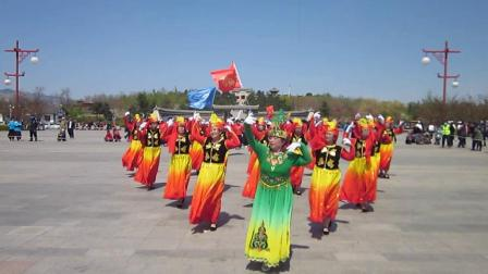 北镇市秧歌舞蹈协会梨花节汇演《曙光秧歌队》制作-东明2021.4.25
