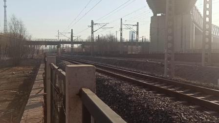 T57次列车与K1023次列车会车(20201219)