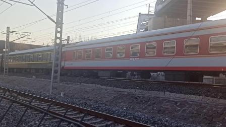 K1621次列车通过天津盐坨桥(20201219)