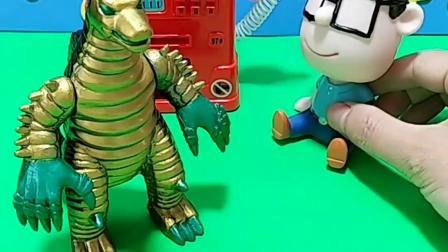 葫芦娃来加油站加油,奥特曼也来加油,他们要去保护小朋友