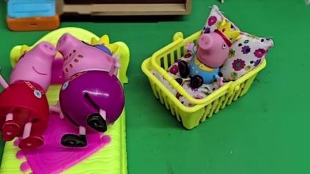 小猪宝宝会叫爸爸了,当晚上喊爸爸的时候,猪爸爸起来照顾小宝宝