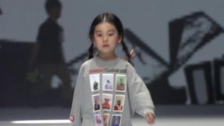 钜星国际品牌时装盛典Burberry品牌少儿时尚秀
