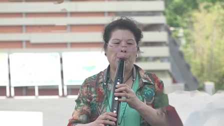 3.社区文化活动《琴韵悠扬乐器合奏》美丽草原我的家