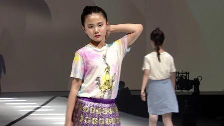 钜星国际品牌时装盛典Gucci童模秀场