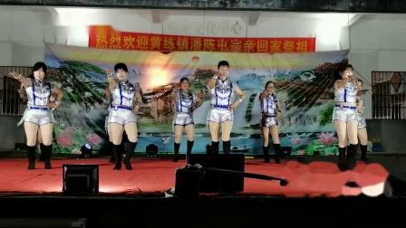 东龙镇振龙街舞蹈队广场舞《命运不是辘轳》