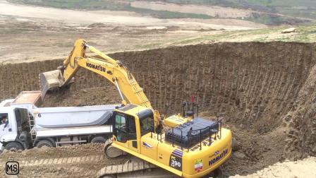 小松PC390挖掘机