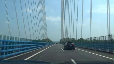 广西至贵州余安高速公路拉索桥壮丽 沿着高速公路看中国变化