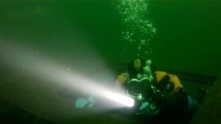 【实拍】水下沉船探险 用潜水灯照亮海底世界|OrcaTorch潜水照明