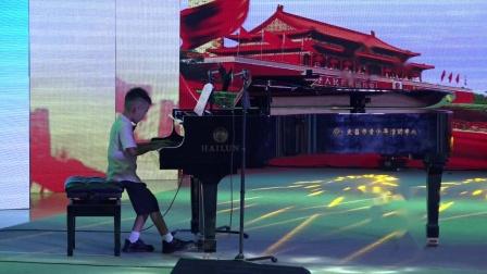 钢琴独奏:《新雨后》 演员:曾英桓